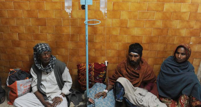 Zatrucie alkoholowe, szpital w Indiach