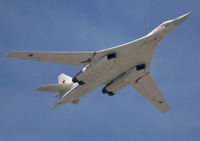 """Strategiczny bombowiec rakietowy Tu-160 """"Aleksander Nowikow"""""""