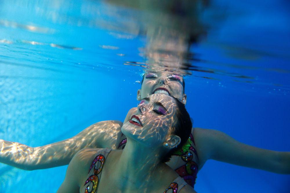 Brazylijskie synchronistki Luisa Borges i Maria Eduarda Miccuci podczas treningu w Parku Olimpijskim w Rio de Janeiro