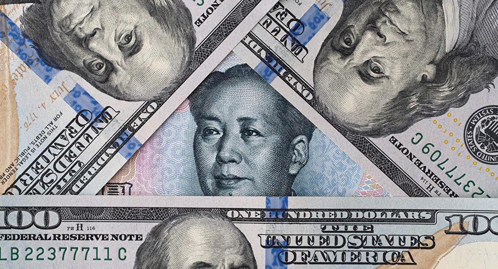 Juan w otoczeniu dolara amerykańskiego