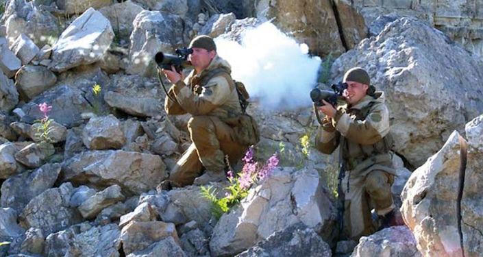 """Mały granatnik wielokrotnego użytku """"Bur"""