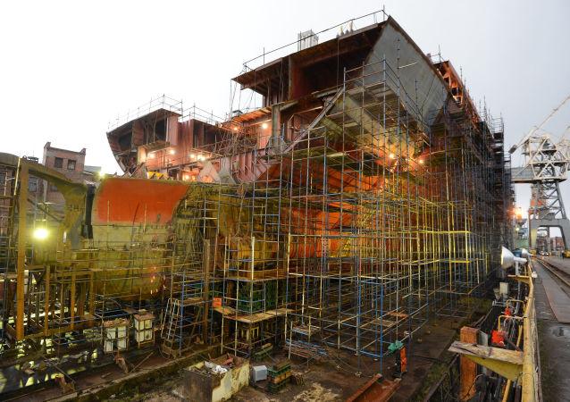 Budowa atomowego lodołamacza Arktyka w Stoczni Bałtyckiej w Petersburgu
