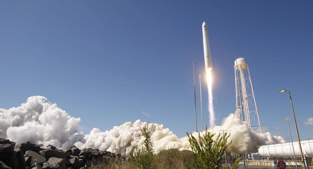 Start amerykańskiej rakiety nośnej Antares