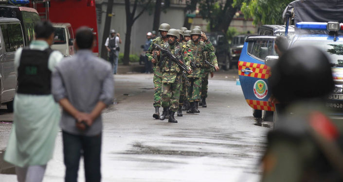 Atak terrorystyczny na restaurację w stolicy Bangladeszu