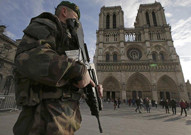 Katedra Notre-Dame w Paryżu. 24 grudzień 2015 rok.