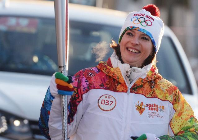 Olga Bogosłowska, mistrzyni świata i srebrna medalistka Igrzysk Olimpijskich w lekkiej atletyce.