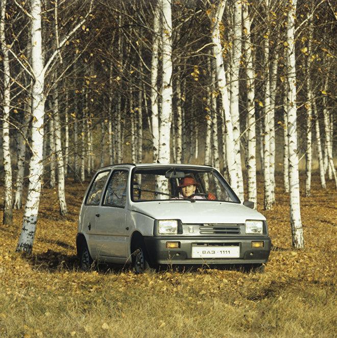 Samochód WAZ-1111.