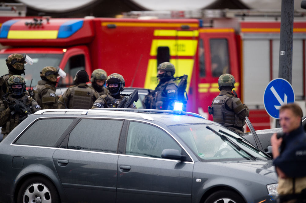 Do Monachium ściągnięto znaczne siły policji, w tym jednostki antyterrorystyczne.