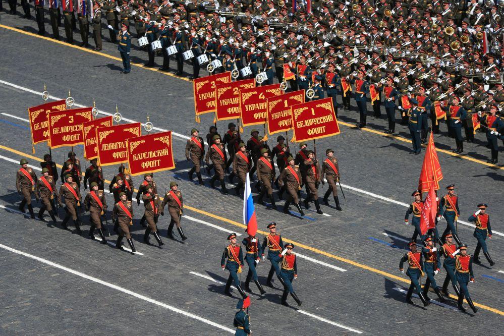 Poczty sztandarowe na Placu Czerwonym, 9 maja 2015