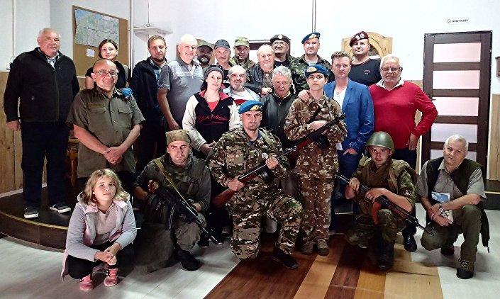 Atmosfera zlotu była wspaniała i ludzie bawili się w swoim gronie znakomicie, odwiedzili nas Rosjanie, którzy przebywają w Polsce.