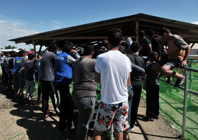 Uchodżcy na granicy Grecji i Macedonii