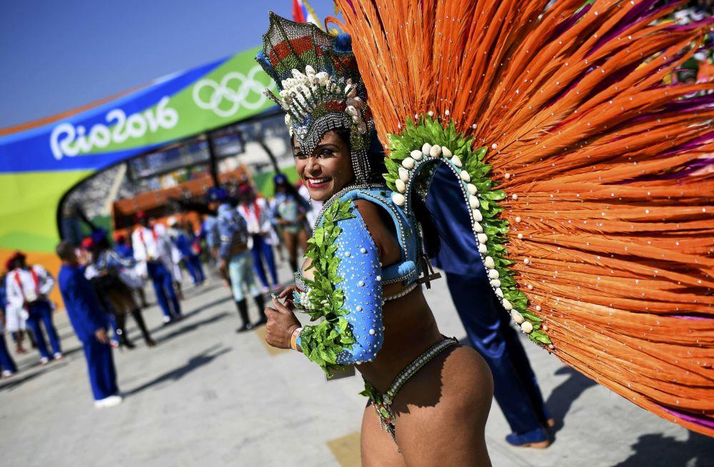 Tancerka samby na Sambodromie w Rio de Janeiro