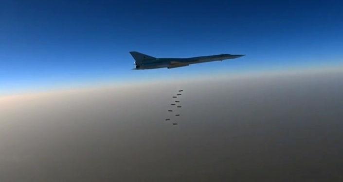 Bombowiec Sił Powietrzno-Kosmicznych Rosji Тu-22M3 w Syrii