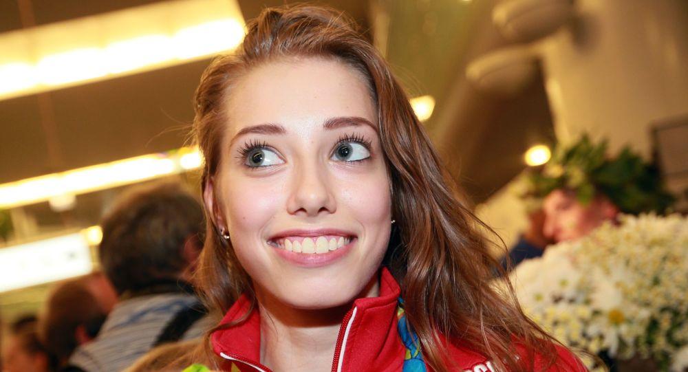 Mistrzyni w gimnastyce artystycznej Wiera Biriukowa