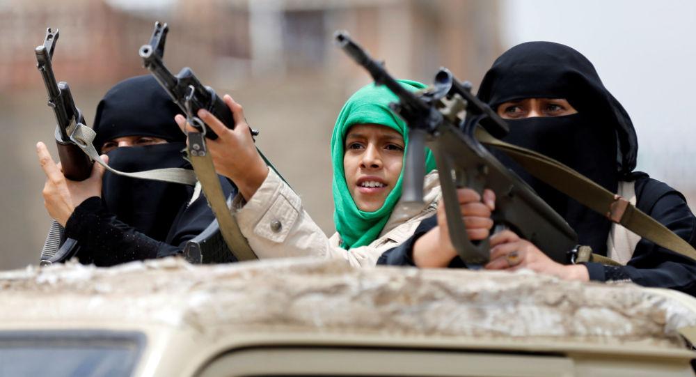 Uzbrojone kobiety-husytki na paradzie w Sanie, Jemen