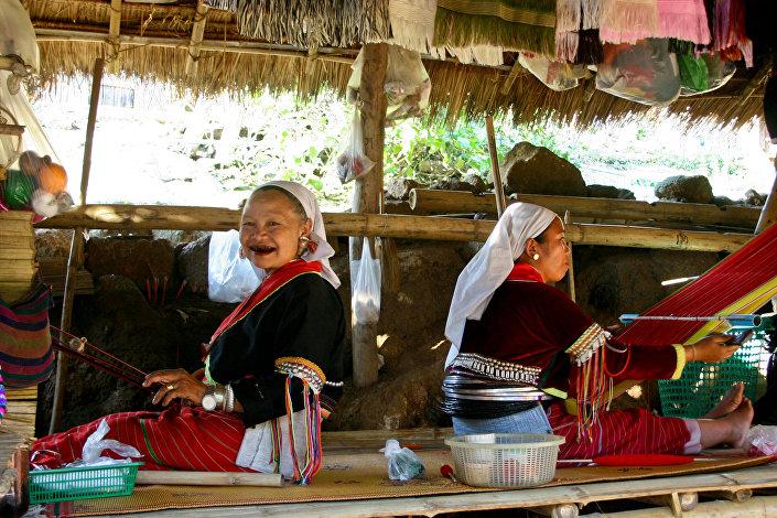 Kobiety z plemienia Akha