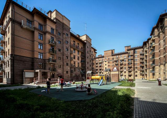"""Nowe osiedle mieszkaniowe """"Miasto nabrzeży"""" w Chimkach"""