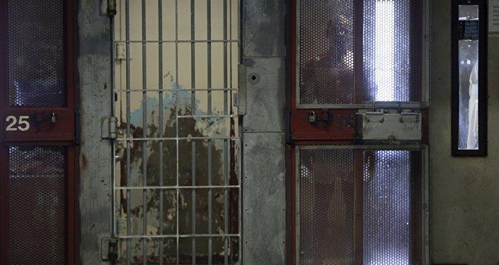 """""""Organy porządkowe Ukrainy negują sam fakt istnienia tajnych więzień. Tym nie mniej przychodzili do mnie krewni obywateli, którzy przekazywali mi poufną informację o tym, że ich bliscy rzeczywiście są przetrzymywani w specjalnych zakładach zamkniętych, które można nazwać miejscami pozbawienia wolności — powiedziała Moskałkowa."""