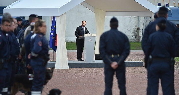 Wizyta prezydenta Francji Francoisa Hollande'a w Calais