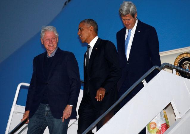 Bill Clinton, Barack Obama i John Kerry
