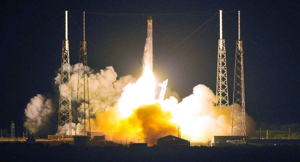 Start rakiety Falcon