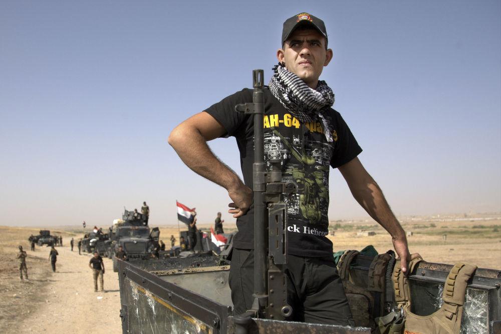 """Dowódca połączonych sił międzynarodowej koalicji Steven D. Townsend zauważył, że operacja wyzwolenia Mosulu może zająć """"tygodnie, a nawet więcej."""