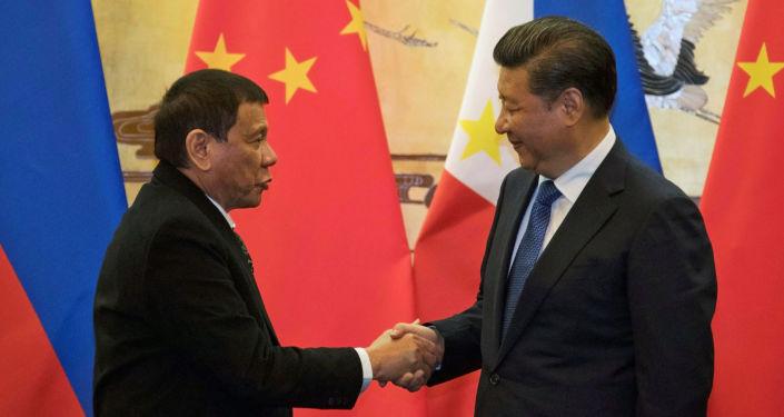 Prezydent Filipin Rodrigo Duterte przyjechał z oficjalną wizytą do Chin na zaproszenie przewodniczącego ChRL Xi Jinpinga