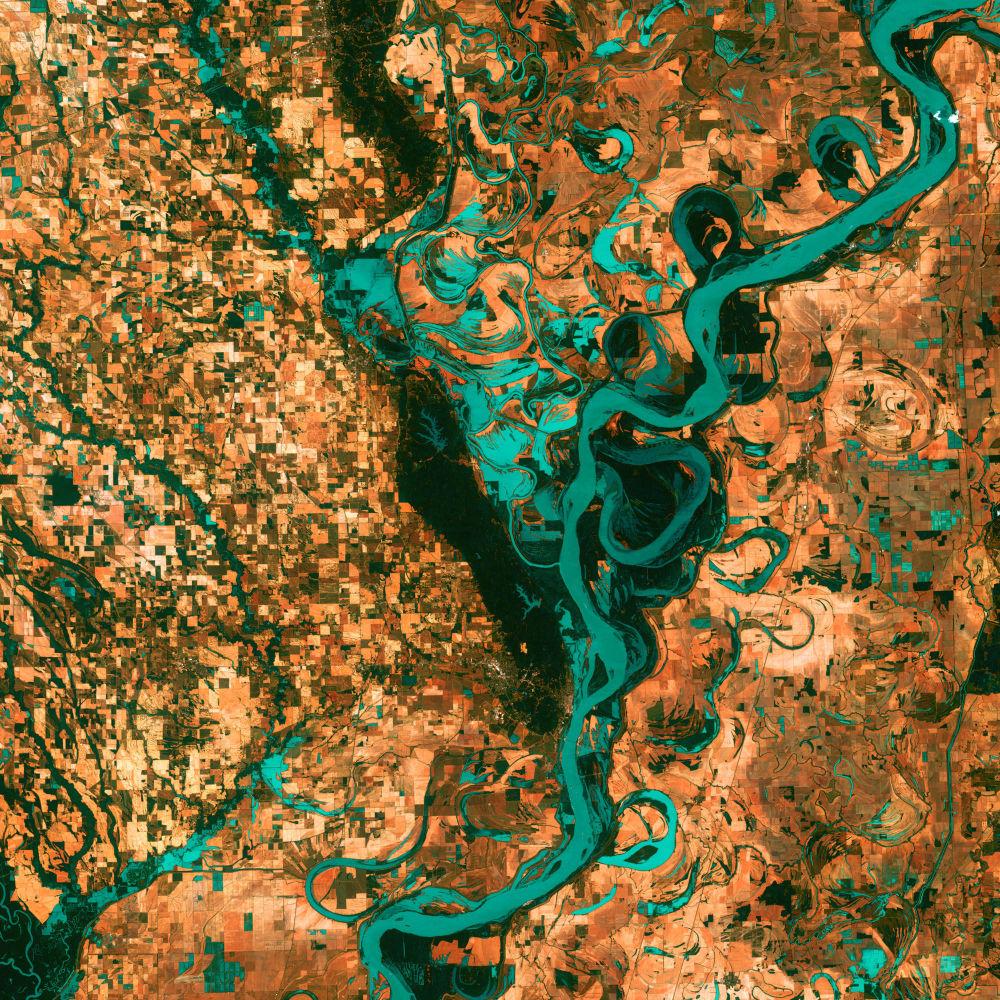 Widok na rzekę Mississippi w Ameryce Północnej z kosmosu.