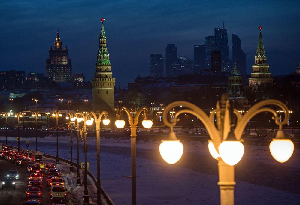 Pełne kolorytu atrakcje Moskwy z każdym rokiem przyciągają coraz więcej turystów do rosyjskiej stolicy. Zdaniem autorów rankingu, aktywna budowa nowych linii metra pozwoli na bardziej komfortowe poruszanie się po mieście. Po otwarciu nowego lotniska Żukowski pojawi się więcej wygodnych rejsów do Moskwy.