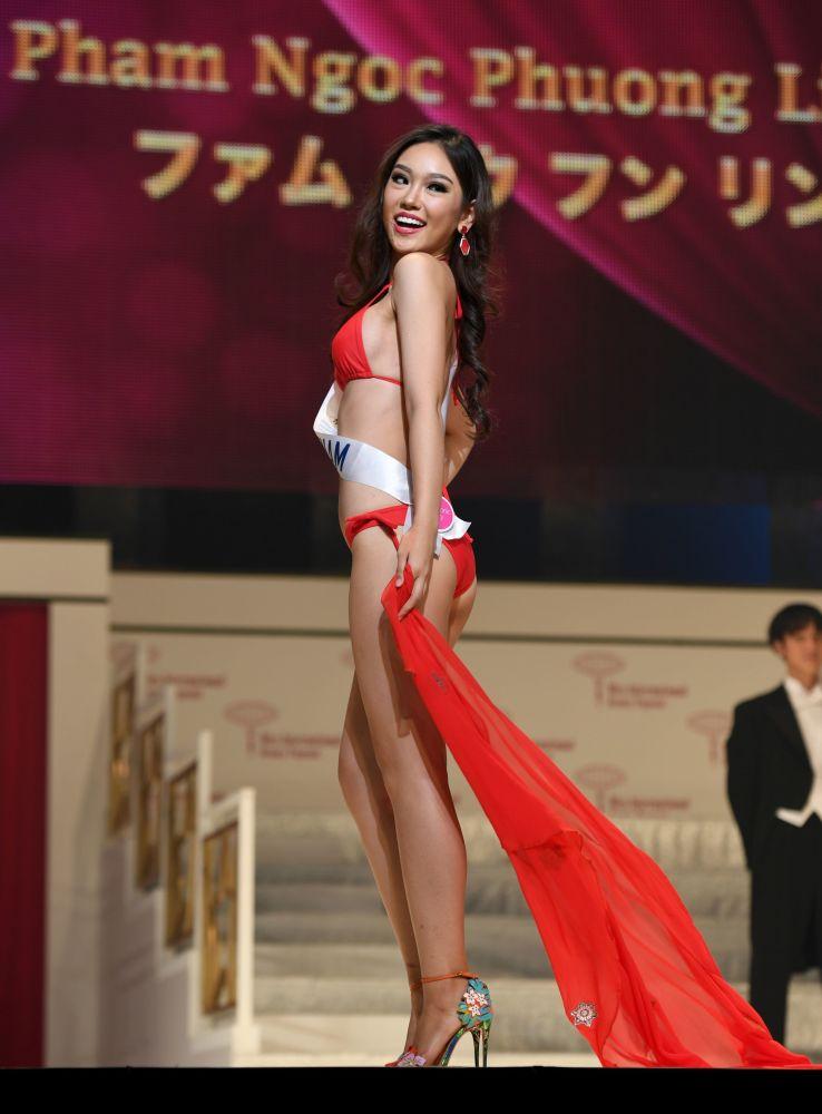 Miss Wietnam Pham Ngoc Phuong Linh podczas prób finału konkursu piękności Miss International Beauty Pageant  w Tokio