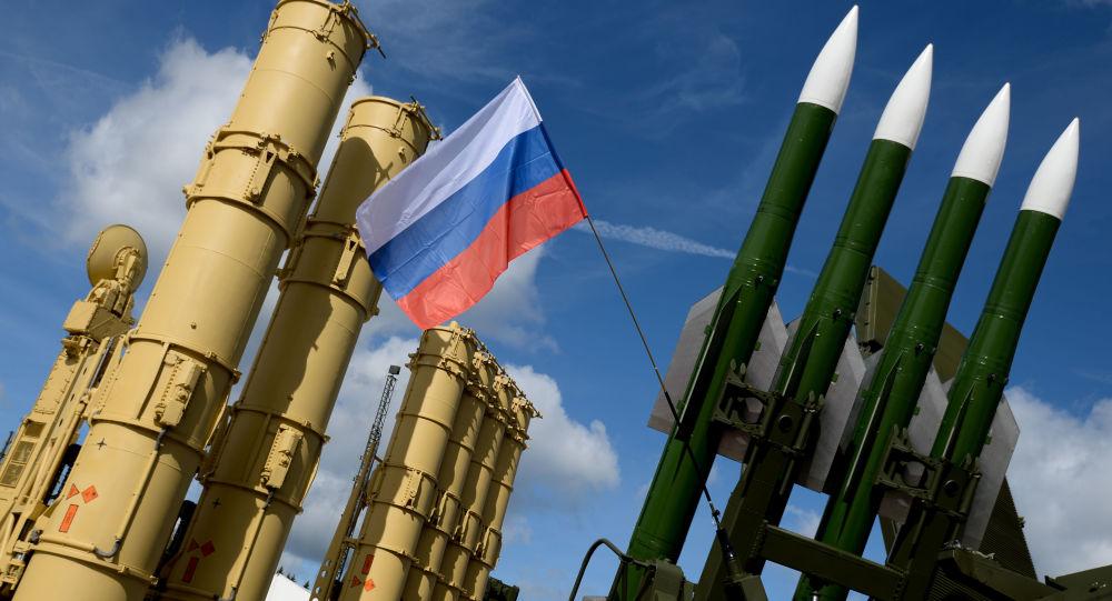 Wyrzutnia rakietowa Antej-2500 i wyrzutnia rakietowa Buk-M2E