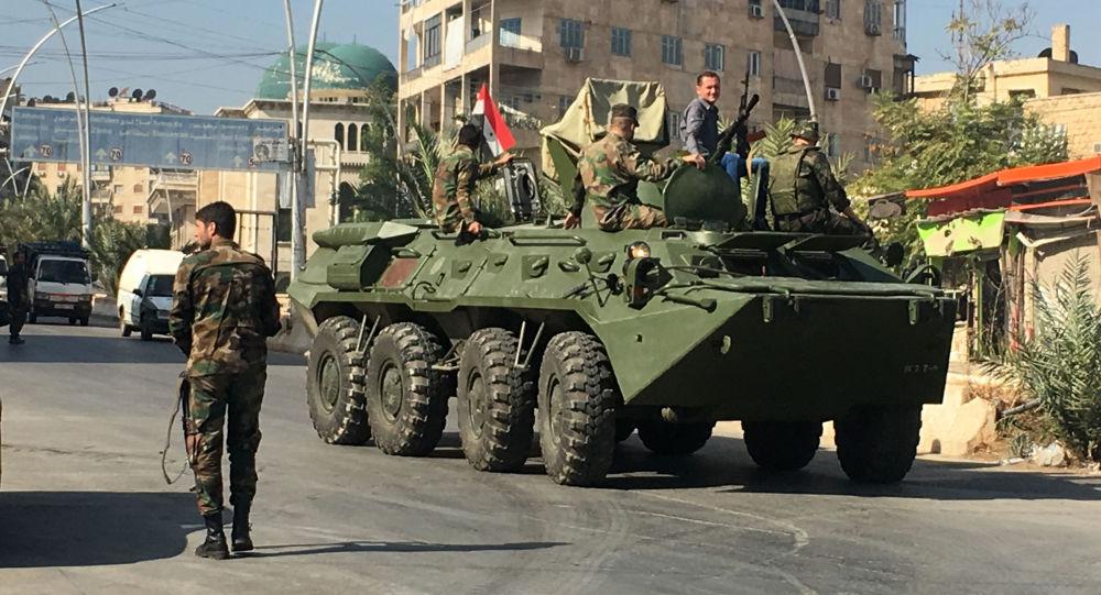 Agitacyjny transporter bojowy w okolicach korytarza humanitarnego Aleppo w Syrii