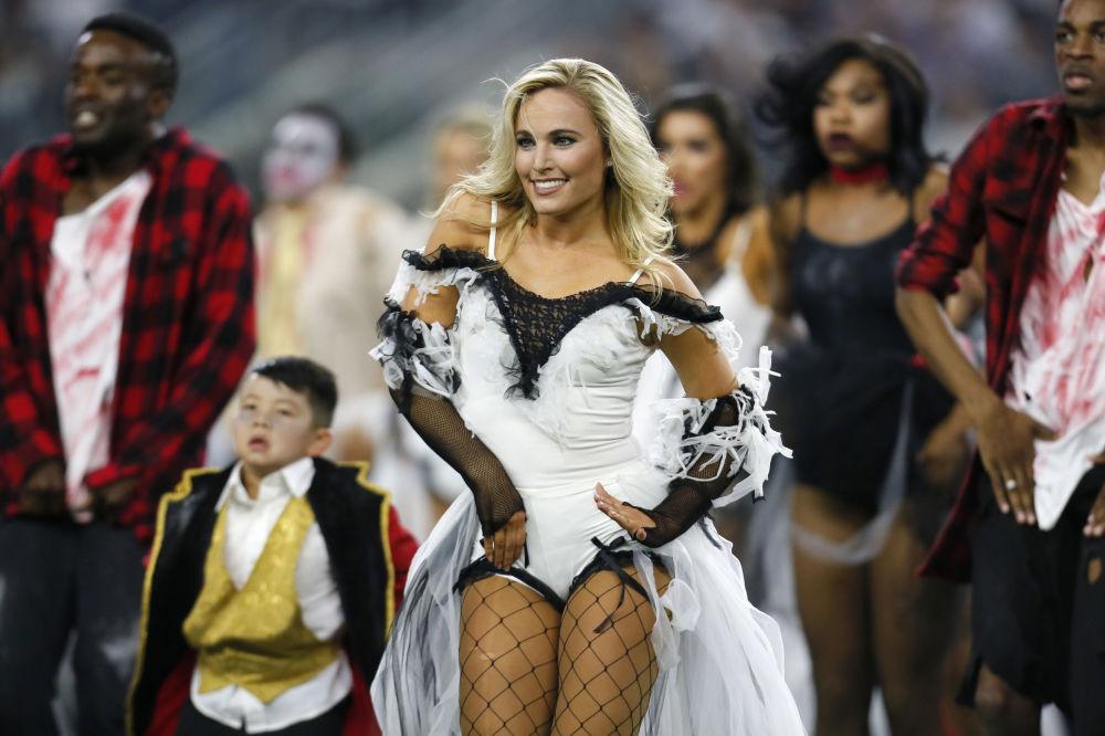Cheerleaderki podczas meczu piłki noznej w Teksasie