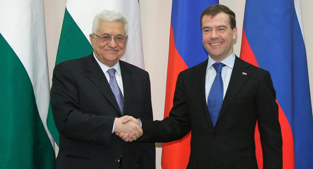 Premier Rosji Dmitrij Miedwiediew i prezydent Palestyny Mahmoud Abbas