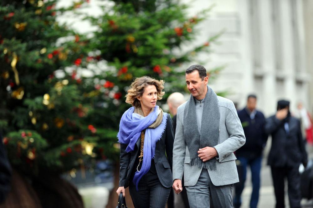 Prezydent Syrii Baszar Al-asad i jego żona Asma w Paryżu