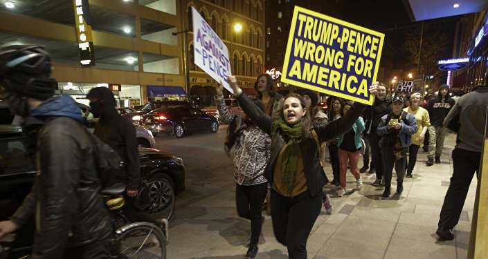 Akcja protestacyjna w Indianapolis przeciwko wybraniu Donalda Trumpa na prezydenta, 12 listopada 2016 roku.