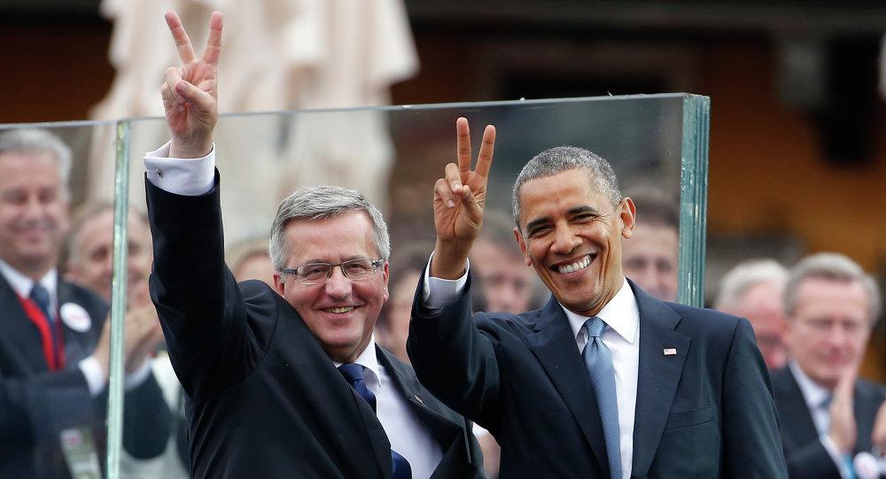 Prezydent USA Barack Obama i eksprezydent Polski Bronisław Komorowski