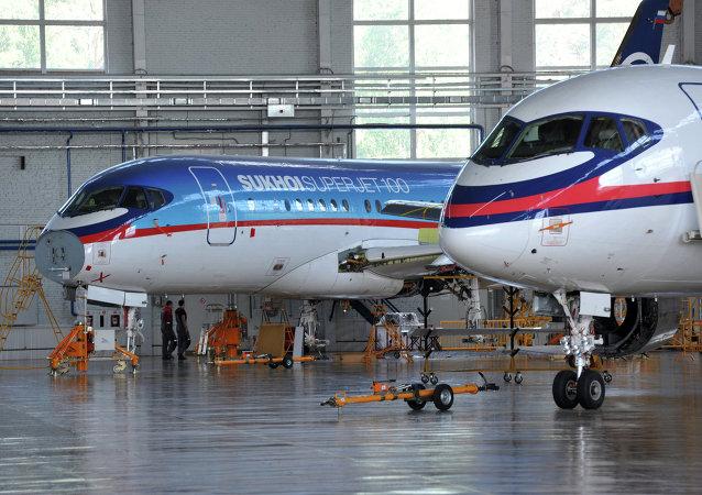 Samolot Suchoj Superjet 100
