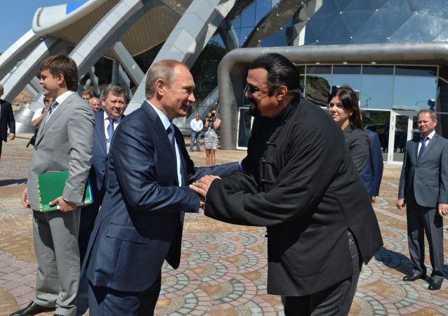 Władimir Putin i Steaven Seagal