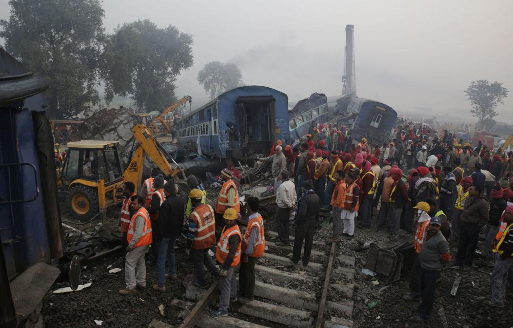 Katastrofa kolejowa na północy Indii