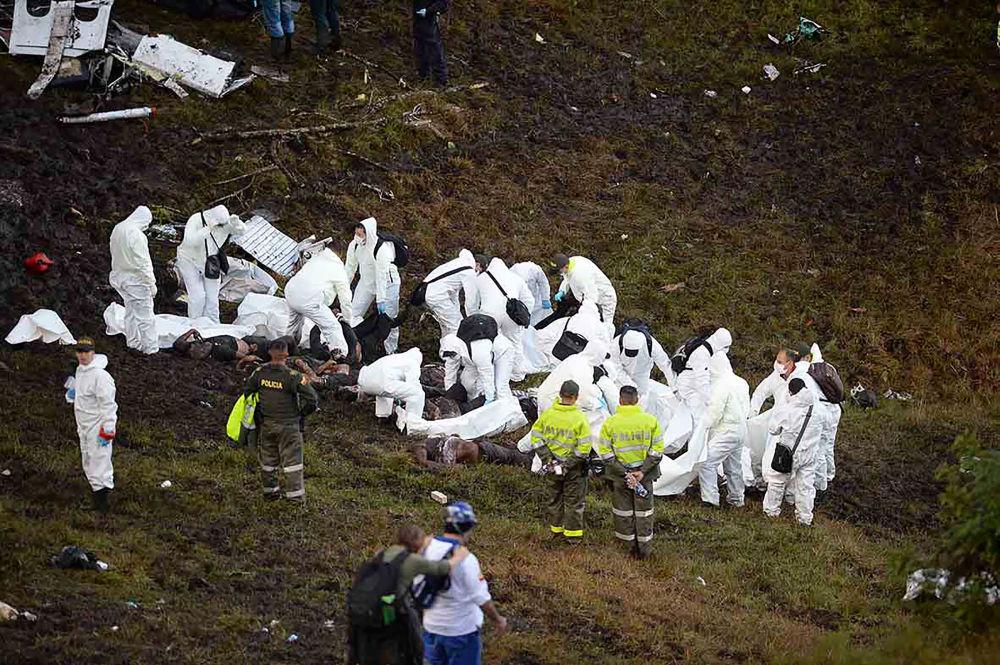 W katastrofie samolotu zginęło co najmniej 76 osób.