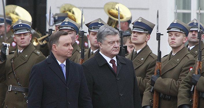 Prezydent Polski Andrzej Duda i prezydent Ukrainy Petro Poroszenko w Warszawie, 2 grudnia 2016