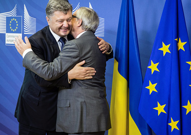 Prezydent Ukrainy Petro Poroszenko i szef Komisji Europejskiej Jean-Claude Juncker