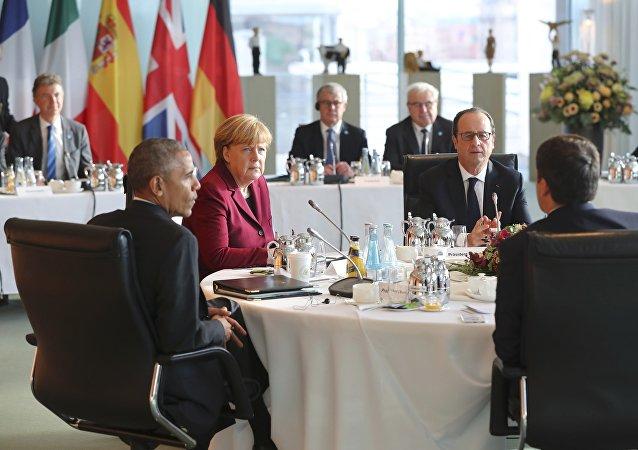 Spotkanie w Berlinie 18 listopada 2016: prezydent USA Barack Obama, kanclerz Niemiec Angela Merkel, prezydent Francji Francois Hollande, premier Włoch Matteo Renzi