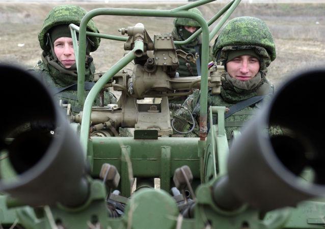 Rosyjska przeciwlotnicza wyrzutnia rakietowa podczas ćwiczeń wojskowych wojsk Południowego Okręgu Południowego