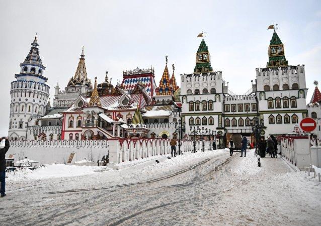 Kompleks kulturowo-rozrywkowy Izmaiłowski Kreml został założony w 2003 roku