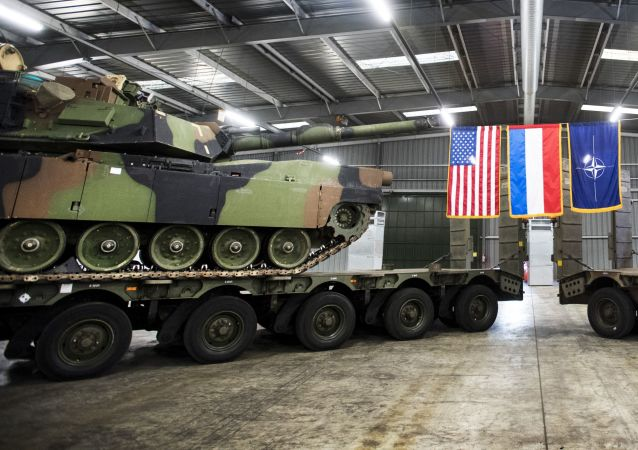Amerykański sprzęt wojskowy dyslokowany w Eygelshoven w Holandii