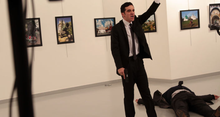 Napastnik, który zaatakował ambasadora Rosji w Turcji Andrieja Karłowa, Ankara