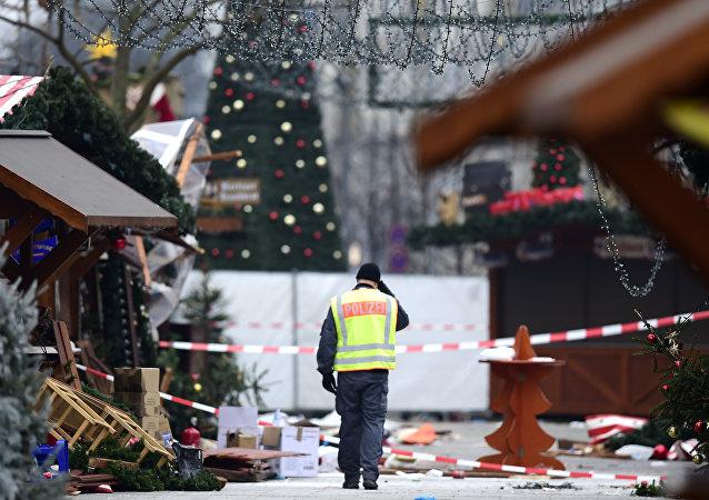 Atak terrorystyczny na jarmarku bożonarodzeniowym w Berlinie