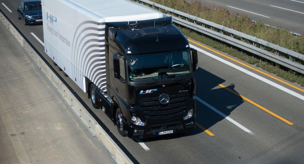 Ciężarówka Mercedes-Benz